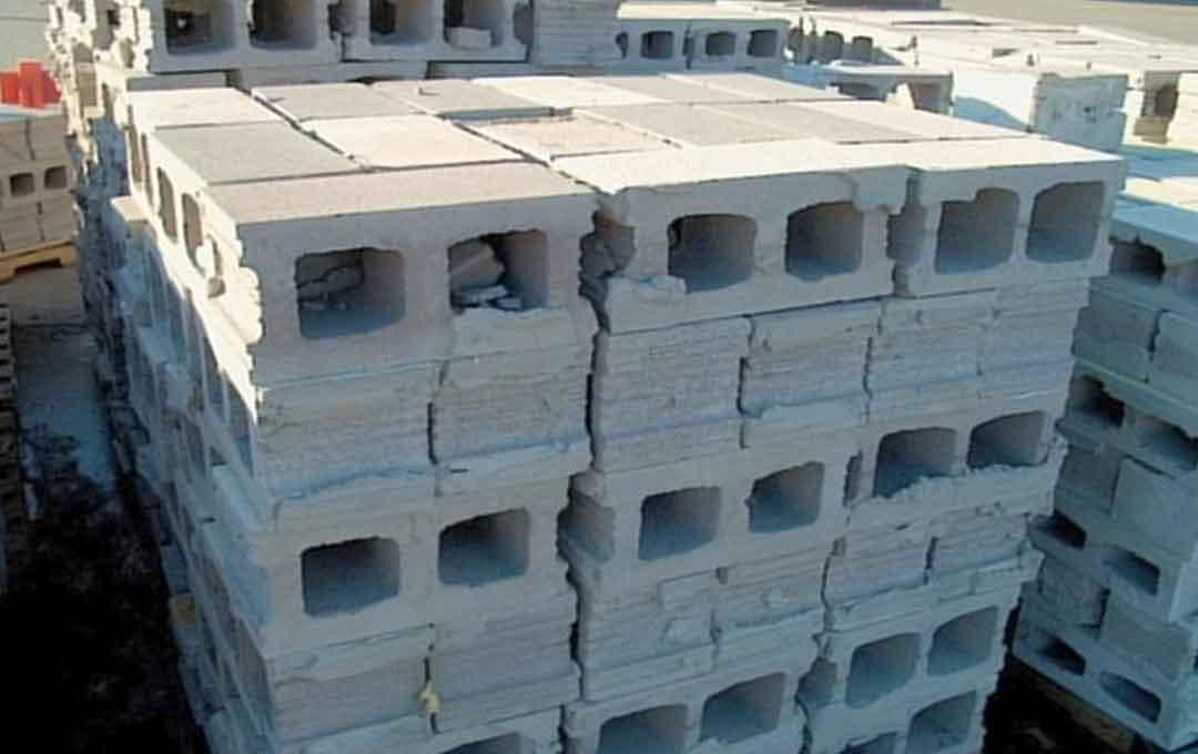 house with masonry wall